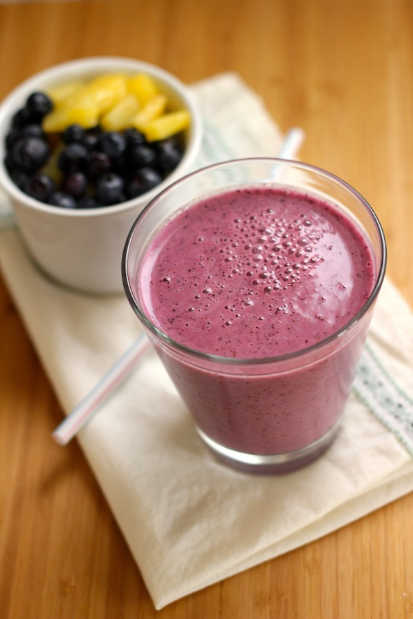 Blueberry Pineapple Smoothie with Chia