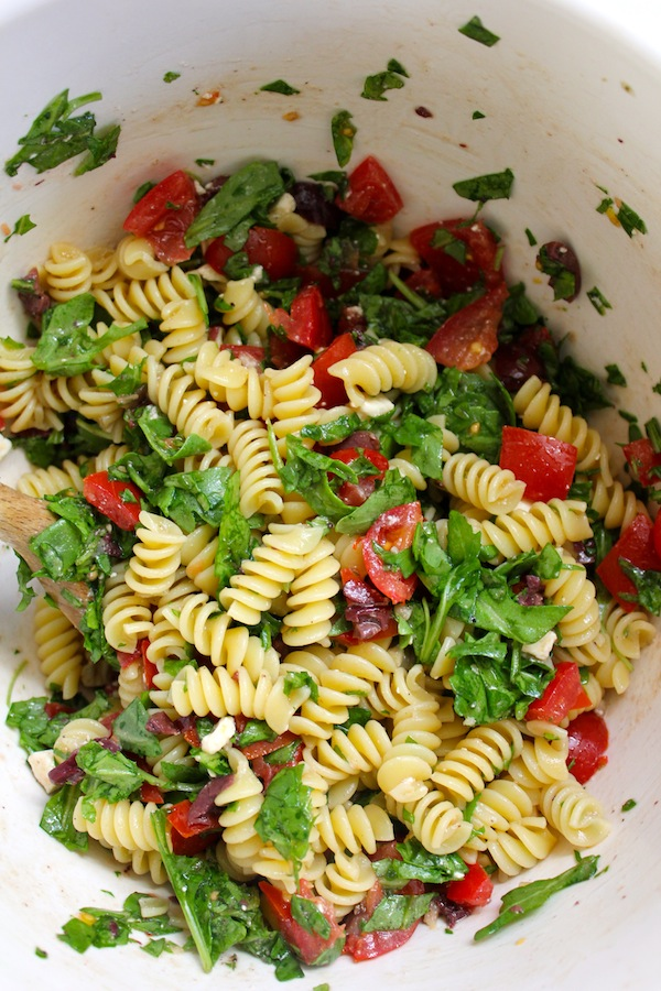 Pasta with Cherry Tomatoes, Olives and Arugula