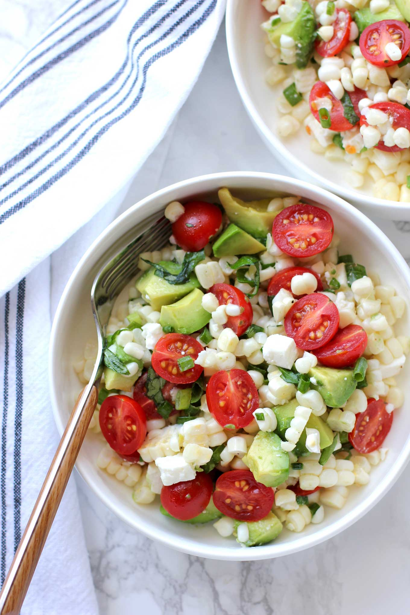 Fresh-Corn-Salad-With-Cherry-Tomatoes-And-Avocado-single-serving